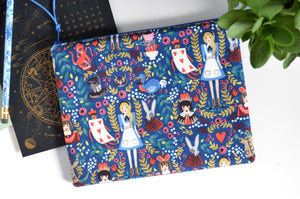 Large Pouch - Alice in Wonderland