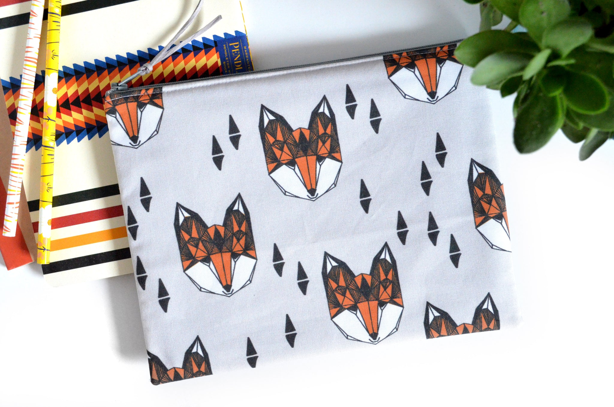 Large Pouch - Foxes