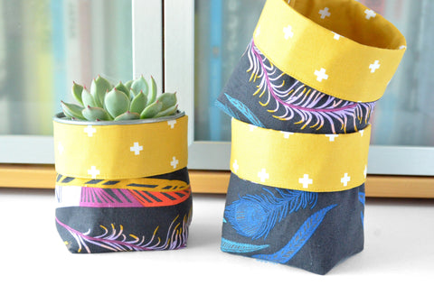 Black Feather Fabric Plant Pot