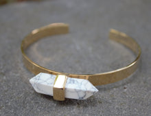 Load image into Gallery viewer, AMIRA Cuff Bangle