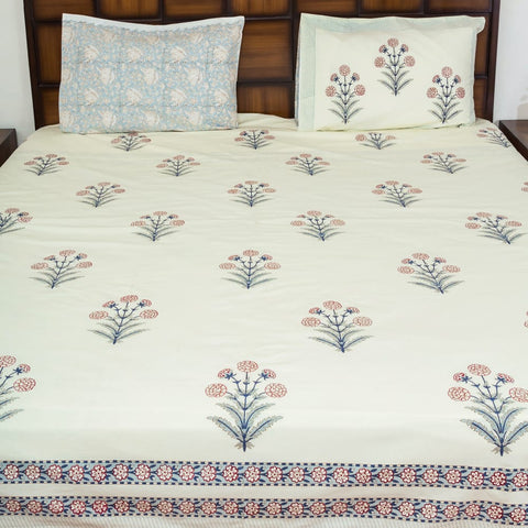 Winter love Double Bed Bedsheet with 2 Reversible Pillow Covers - 90x108 inch