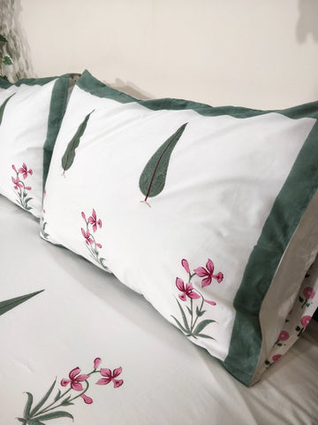 Cypress Vines Double Bed Bedsheet with 2 Reversible Pillow Covers - 90x108 inch