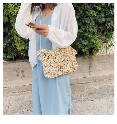 Women bag New fringed straw bag flip hand-woven bag