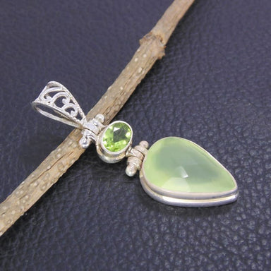925 Sterling Silver Peridot Gemstone Designer Pendant - Necklaces