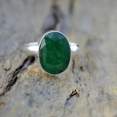 Emerald Green Oval Silver Ring - Rings