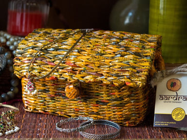 Handmade Jewelry Box in Upcycled Newspaper - Accessoiries