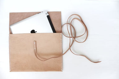 Handmade Laptop Case in Vegtanned Leather - Accessoiries