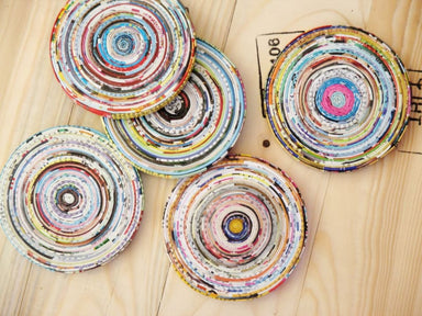 Set of 5 quilled magazine paper coasters - Home Decor