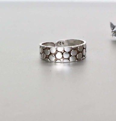 Snake Skin Design Toe Ring in Sterling Silver - Rings