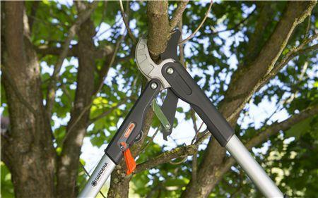 Comfort Ratchet Lopper SmartCut - GARDENA - ClickLeaf