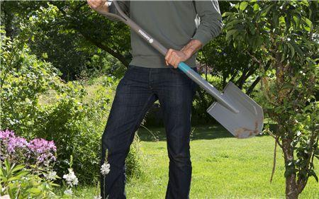 NatureLine Pointed Spade - Ashwood D Handle - GARDENA - ClickLeaf