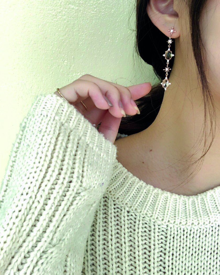 Iris Earring Earrings bling moon