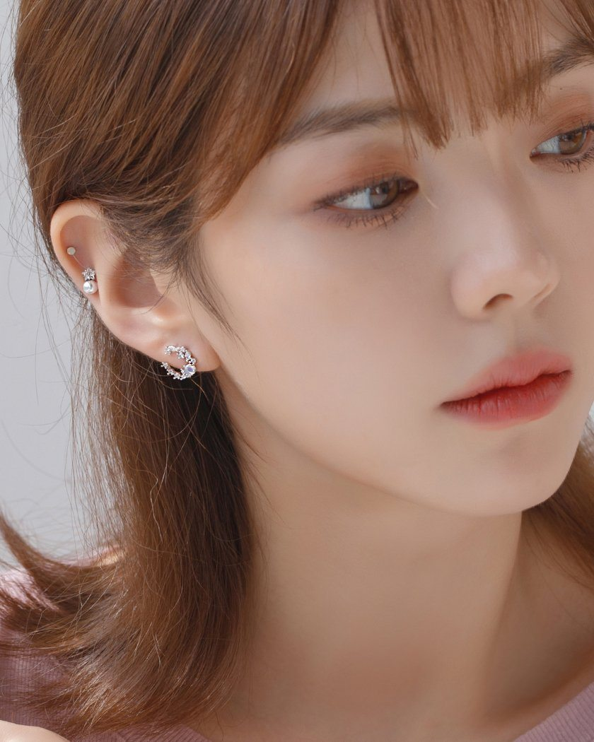 MILKY DOME CRESCENT EARRING Earrings pink-rocket