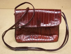 Generic Purse 10in x 8in x 3in Vinyl Female Adult  Burgundy Red Solid BF56 -- Used