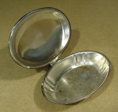 Poole Silver 3810 Opening Clam Shell Dish 10in x 8in x 3in Wood Silver Metal -- Used