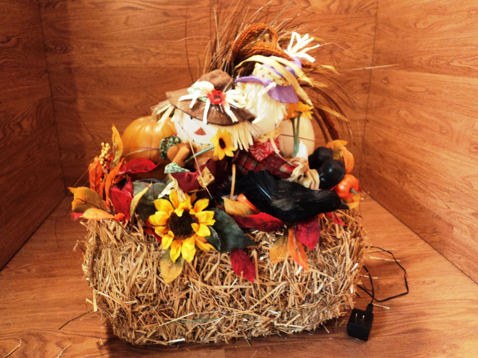 Handmade Fall Décor Pumpkin Scarecrow Hay Lighted Thanksgiving