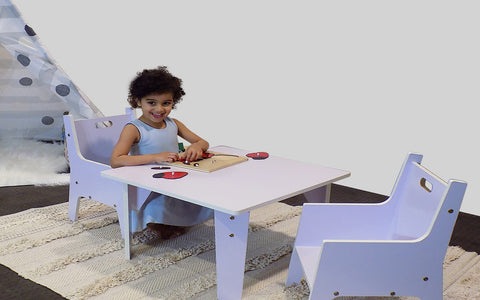 kids table and chair