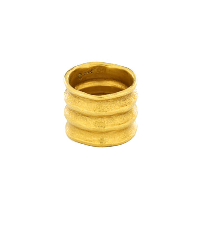 Corrugated Everchanging Ring
