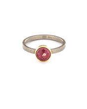 Load image into Gallery viewer, Fuchsia Sapphire Ring