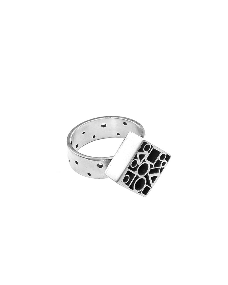 Dotted Tube Square Ring
