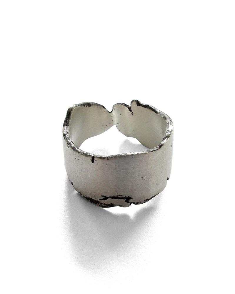 Cracked Ring 1