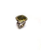 Load image into Gallery viewer, Monolithic Buff Top Lemon Quartz Ring