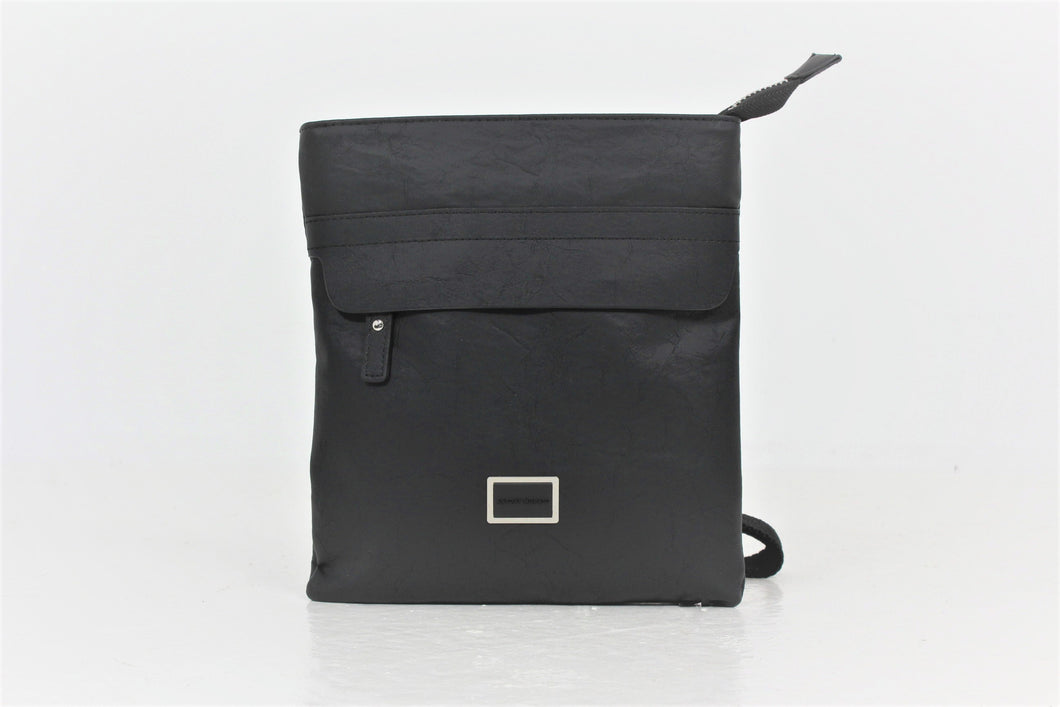 FLAT MESSENGER BAG IN FAUX LEATHER