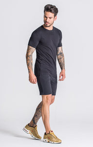 BLACK CORE RR SWEATSHORTS