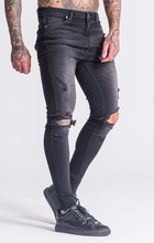 Load image into Gallery viewer, BLACK RIPPED JEANS
