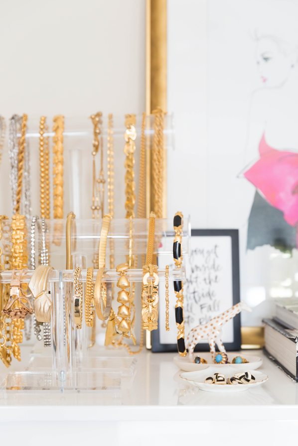 5 Helpful and Cute Ways for Organizing Necklaces