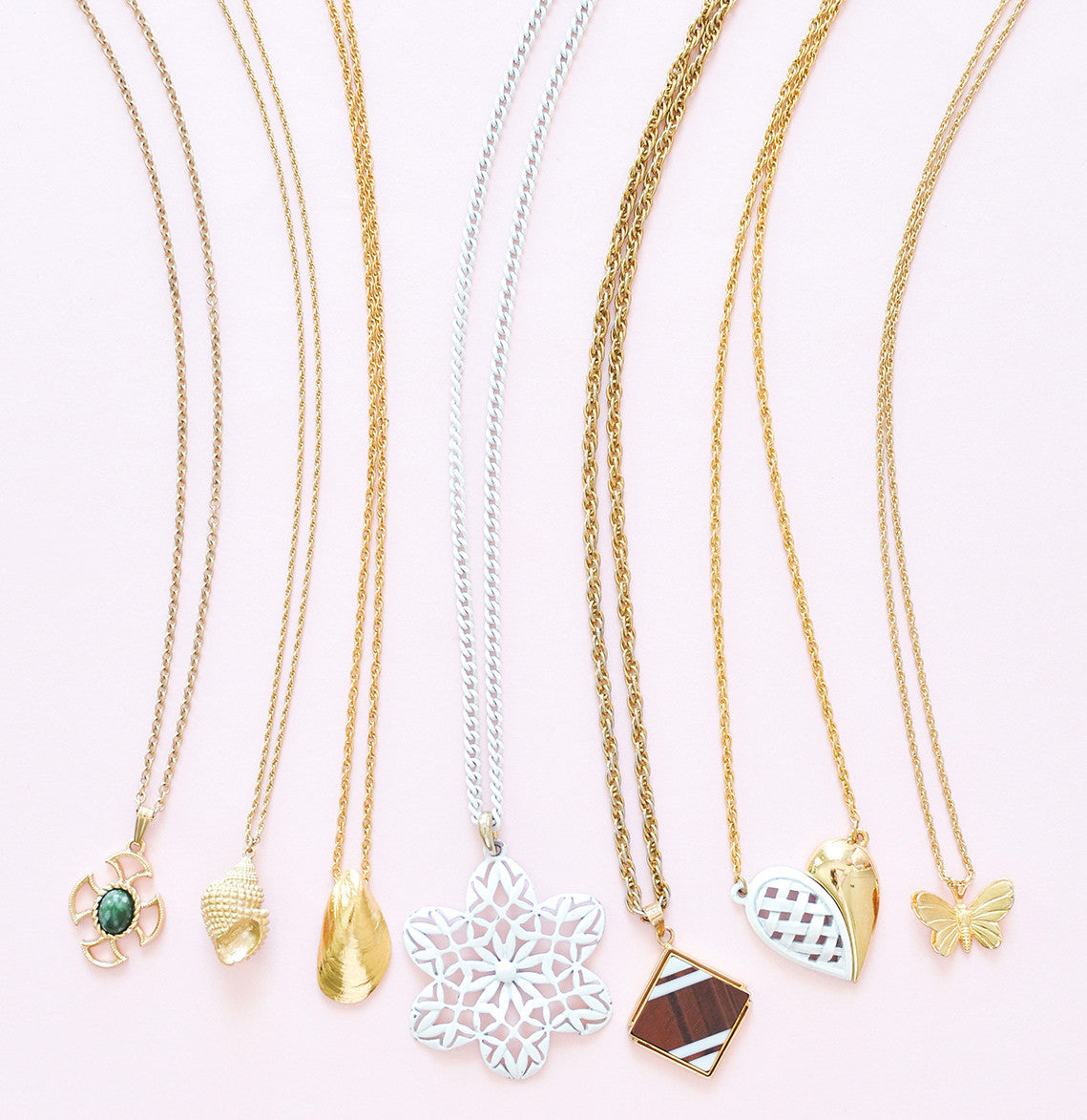 dainty pendant necklaces