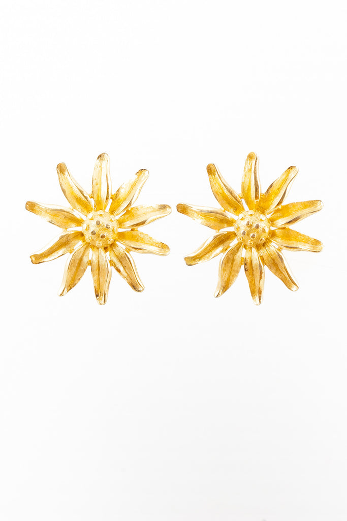60's__Trifari__Statement Daisy Clips