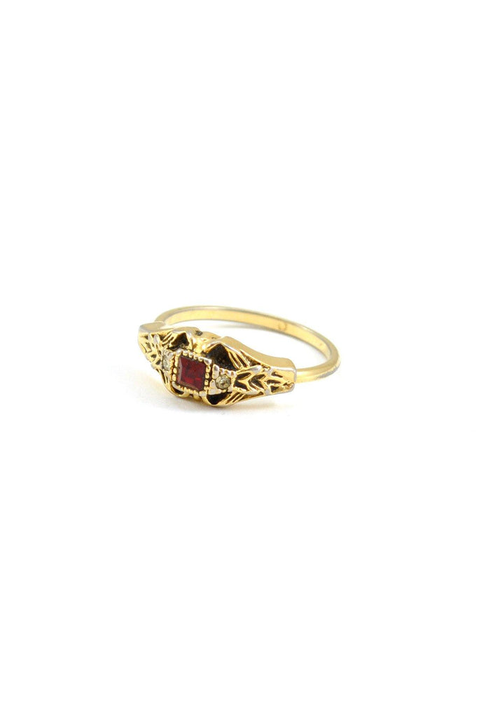 70s__Vintage__Ruby Colored Ring