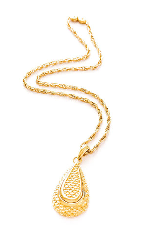 Scaled Teardrop Pendant Necklace