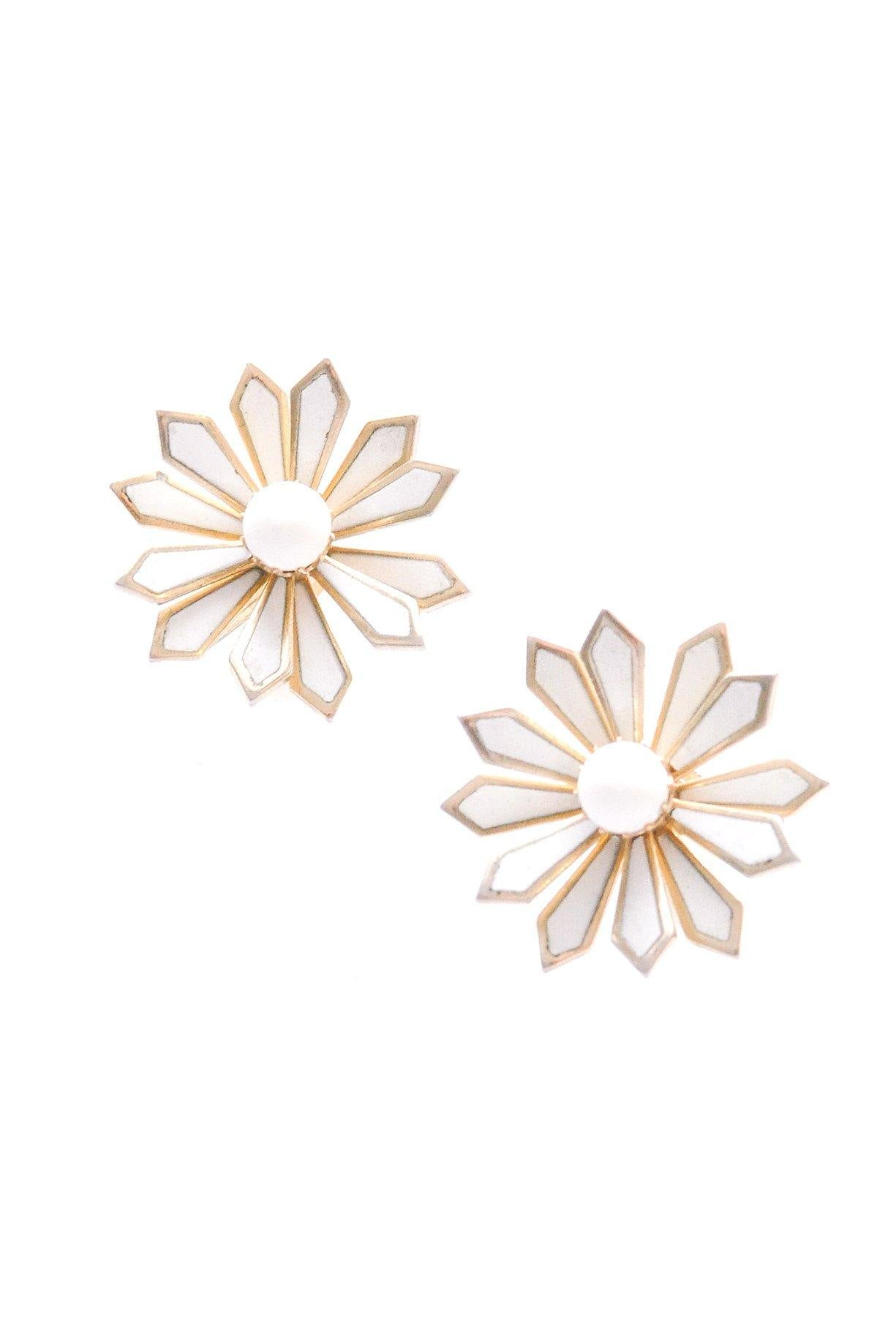 White Floral Burst Clip-on Earrings