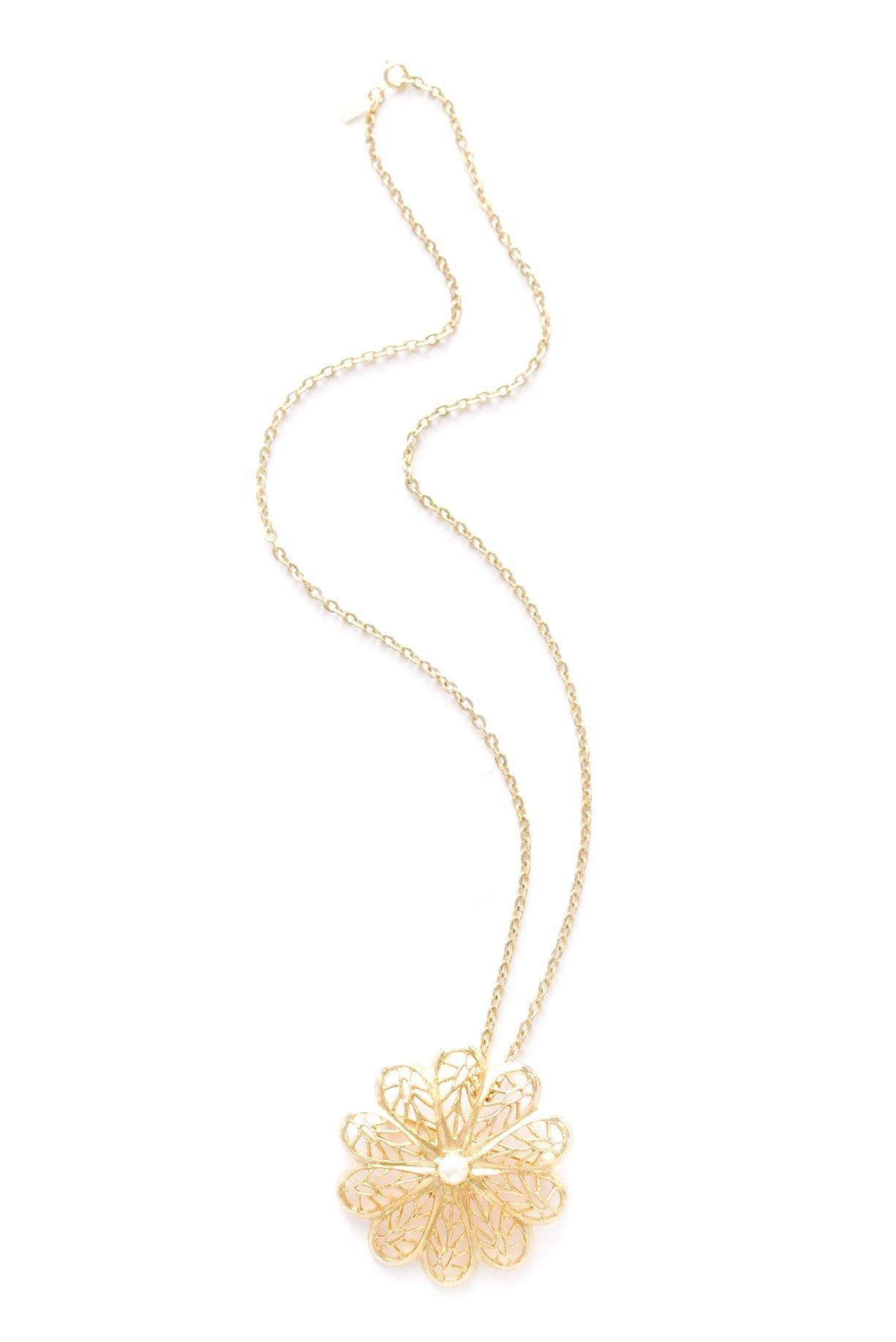 Pearl pendant necklace from Sweet & Spark.
