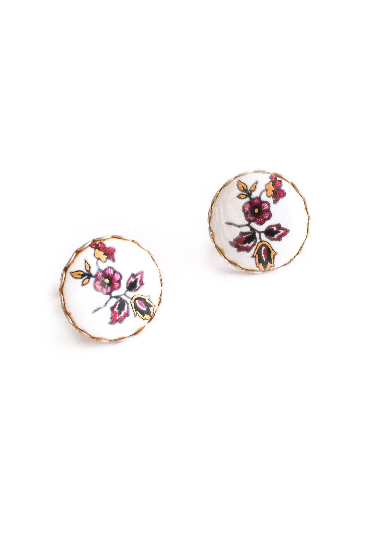 Painted floral disc vintage earrings from Sweet & Spark.