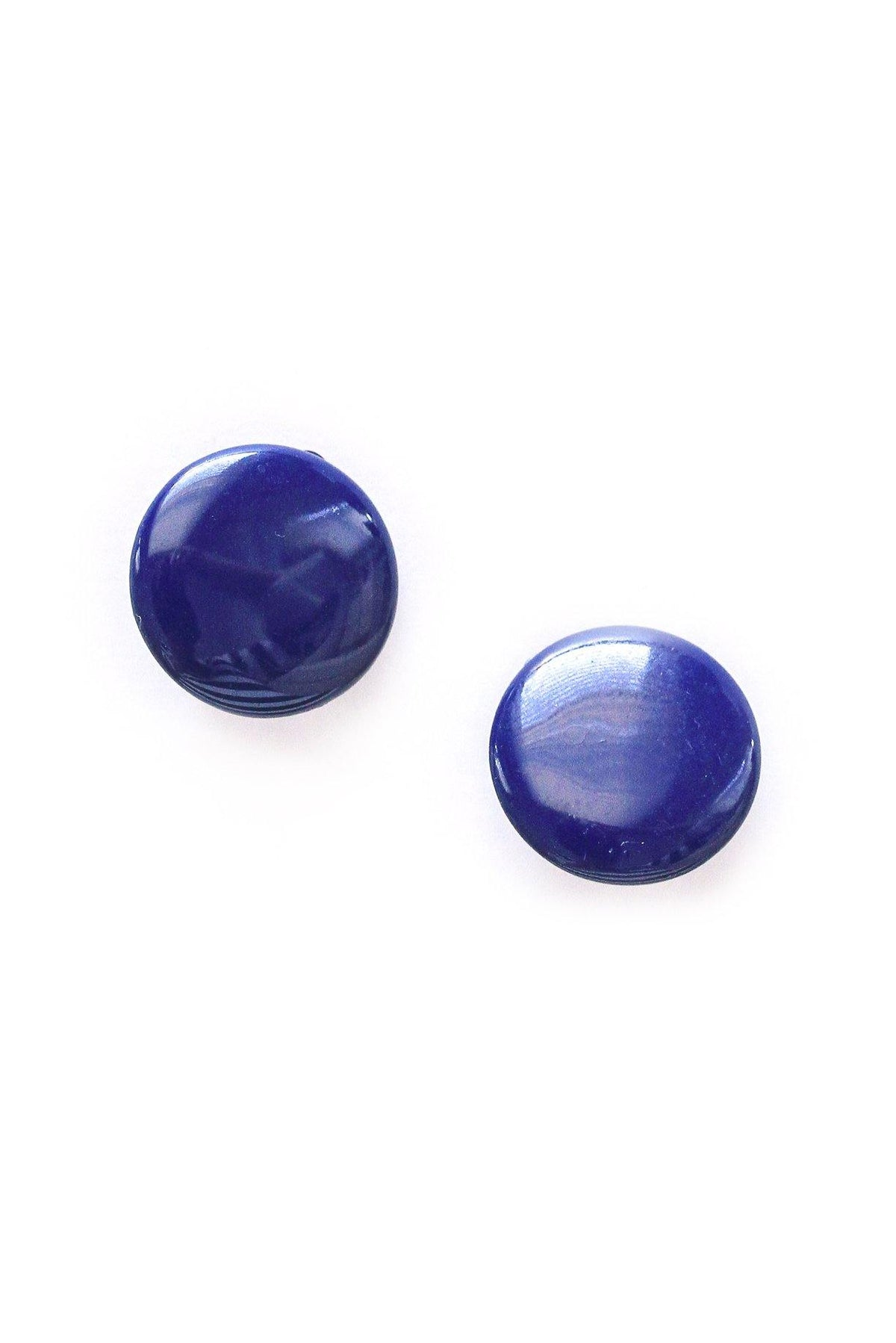Vintage navy blue disc earrings from Sweet & Spark.