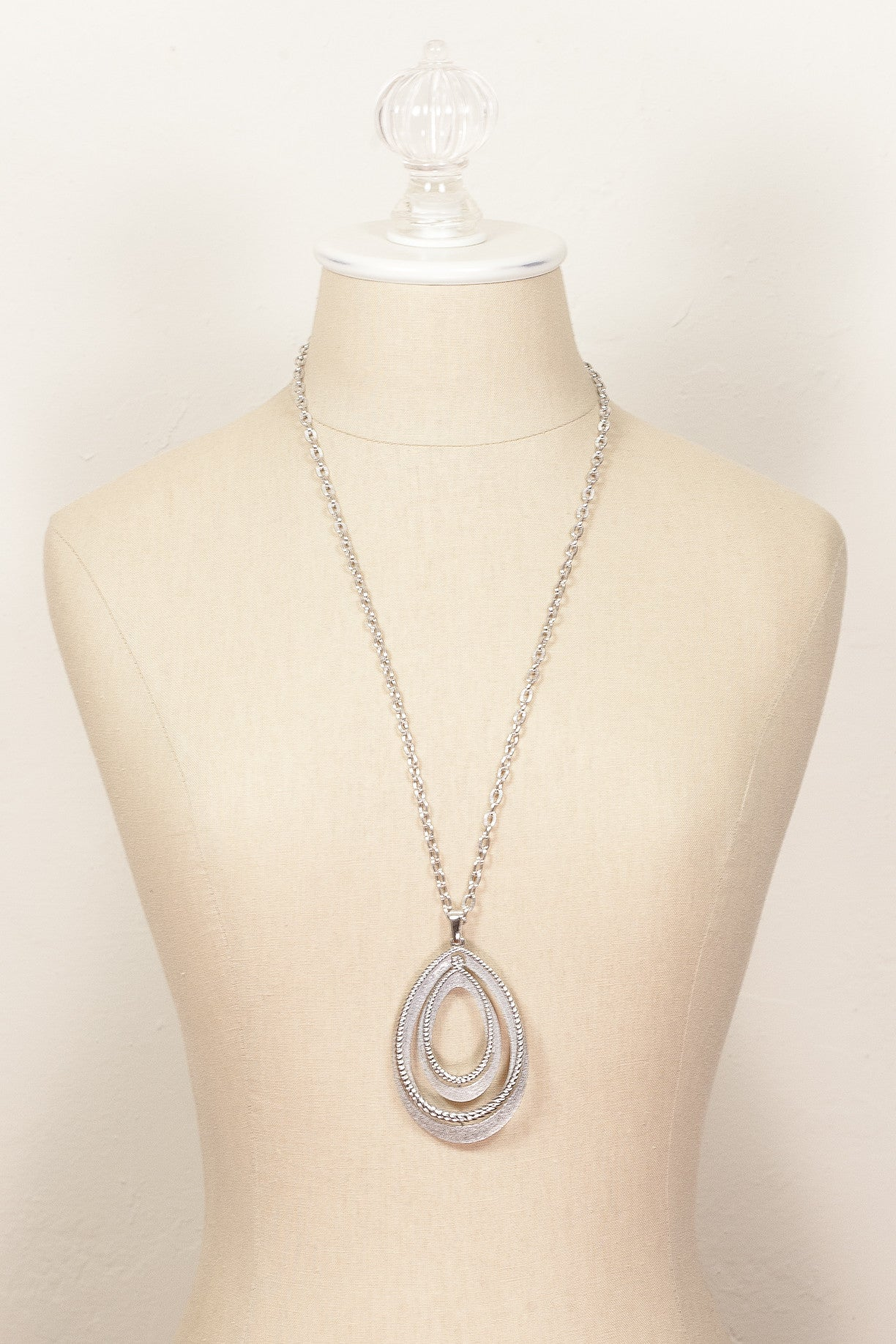 70's__Trifari__Silver Pendant Necklace