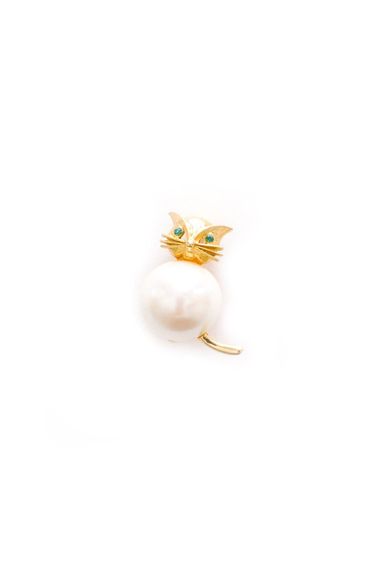 Pearl cat brooch from Sweet & Spark.