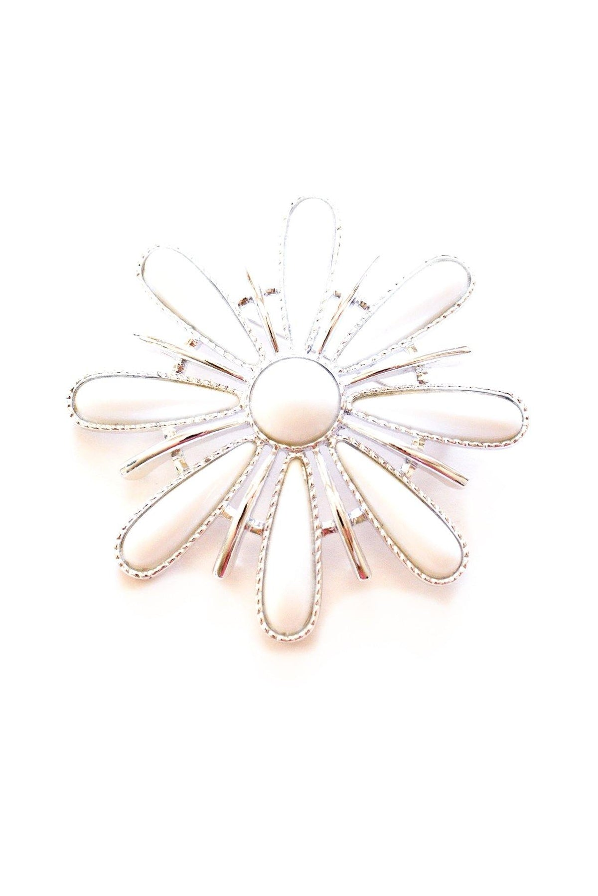 Sarah Coventry white floral statement vintage brooch from Sweet & Spark.