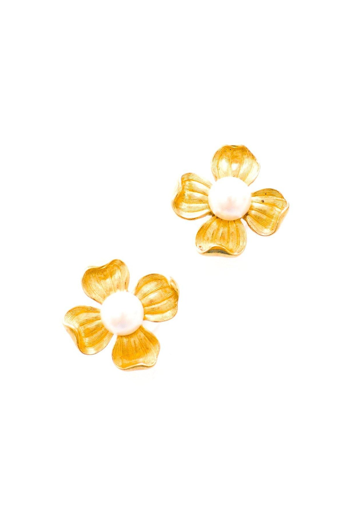 Vintage Trifari pearl floral earrings from Sweet & Spark.