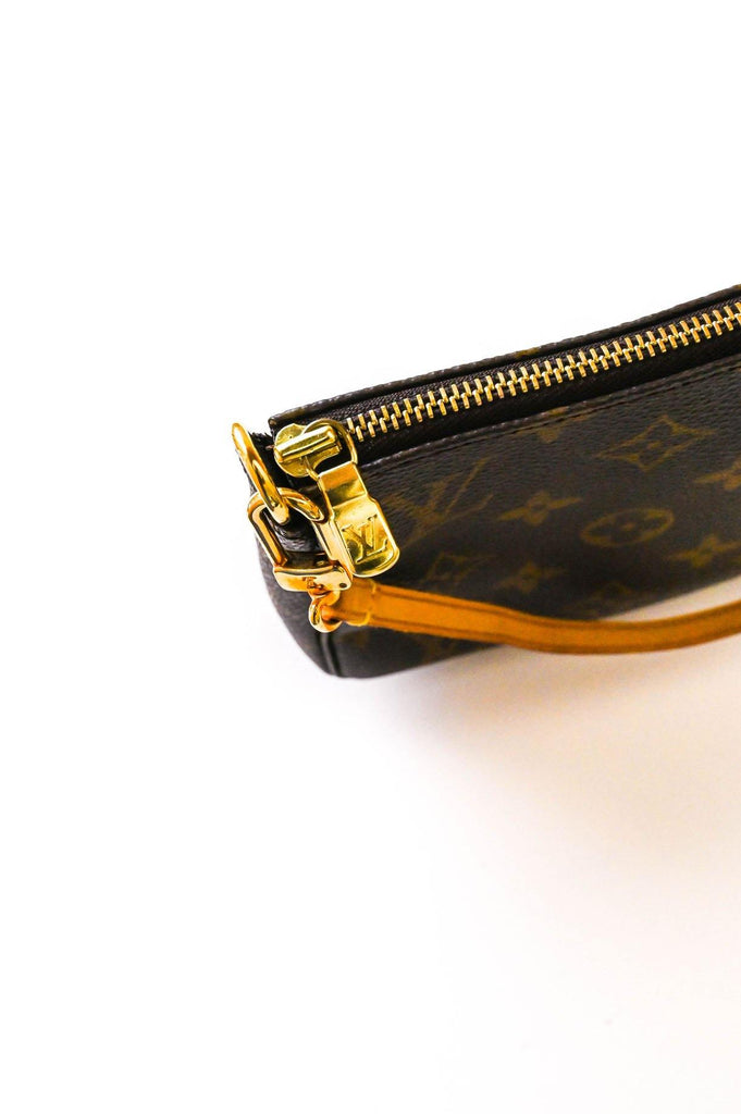 Louis Vuitton Pouchette Handbag