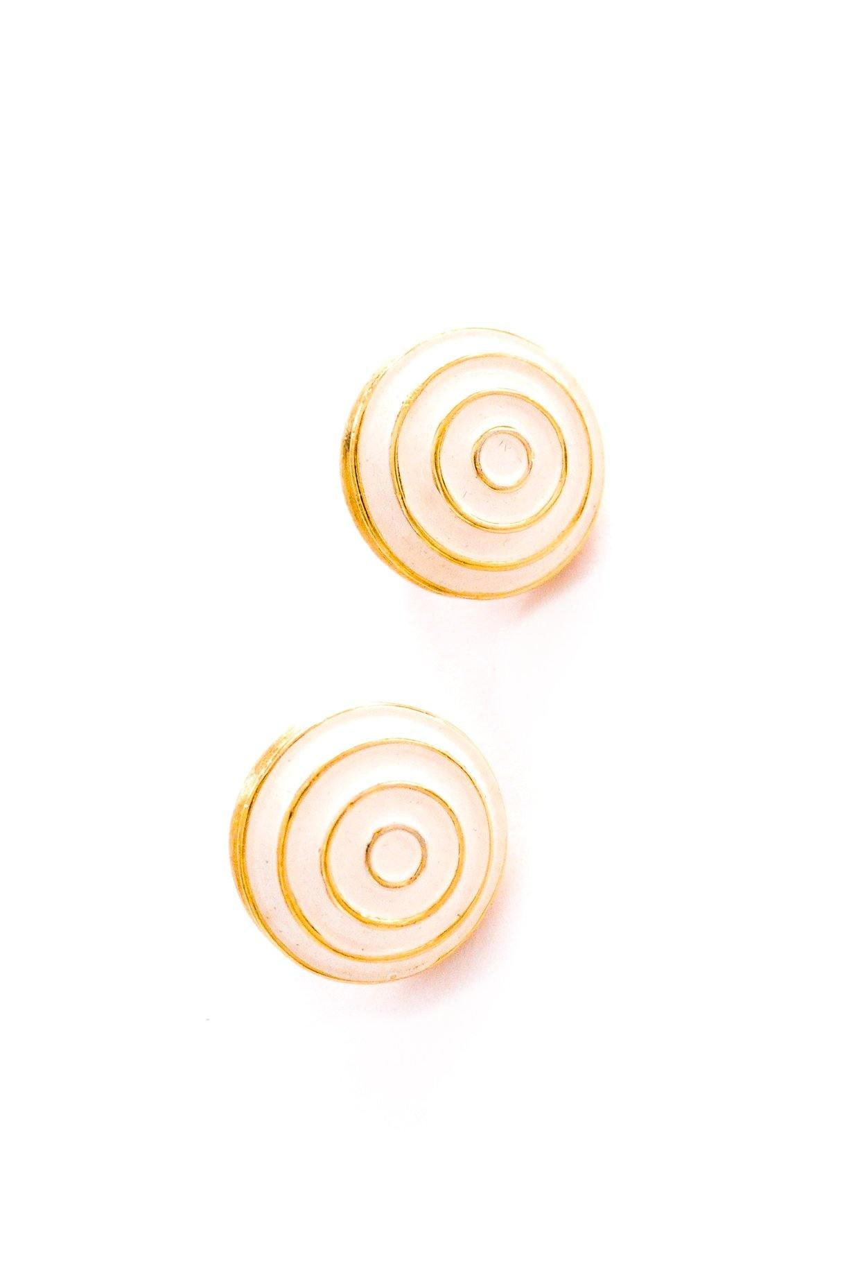 Cream Swirl Clip-on Earrings