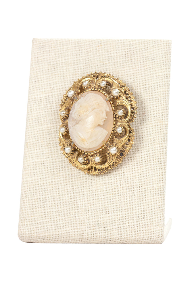 60's__Florenza__Cameo Pearl Brooch