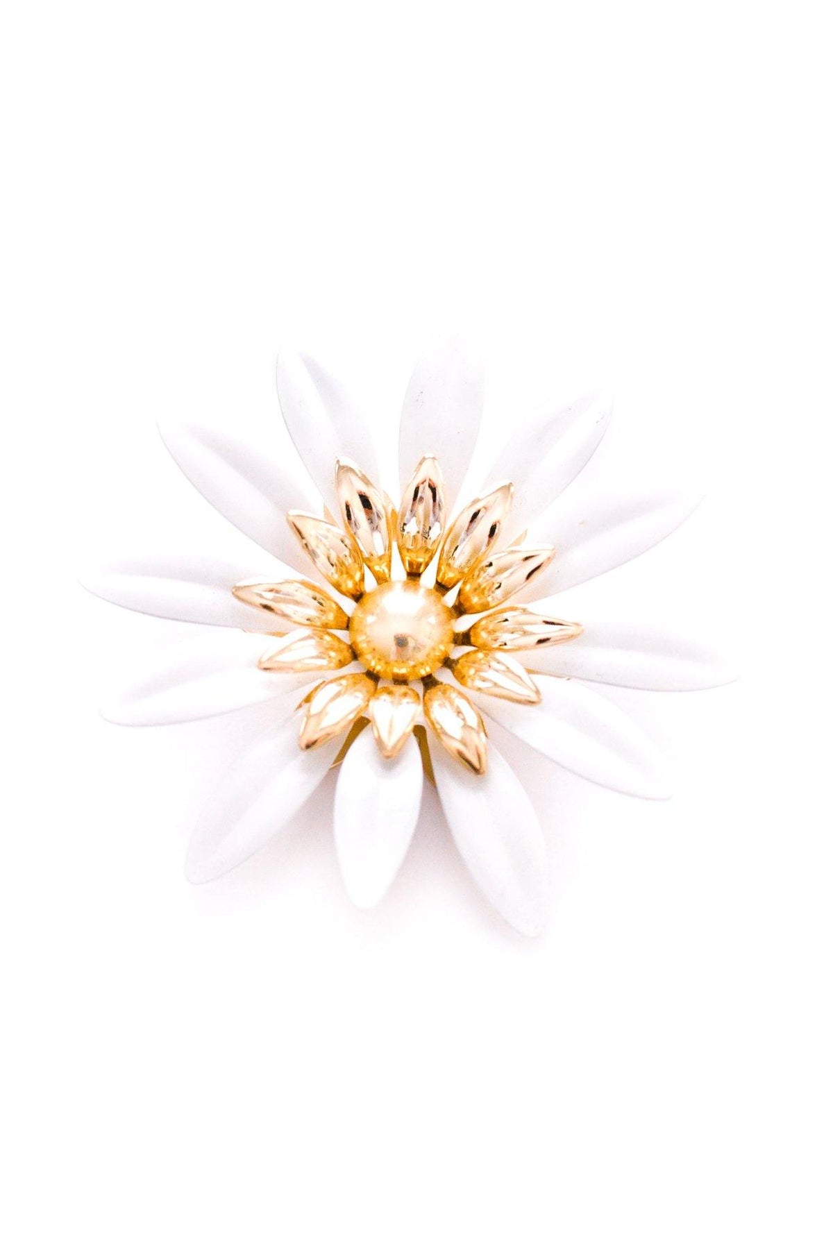 Vintage Sarah Coventry white enamel brooch from Sweet & Spark.