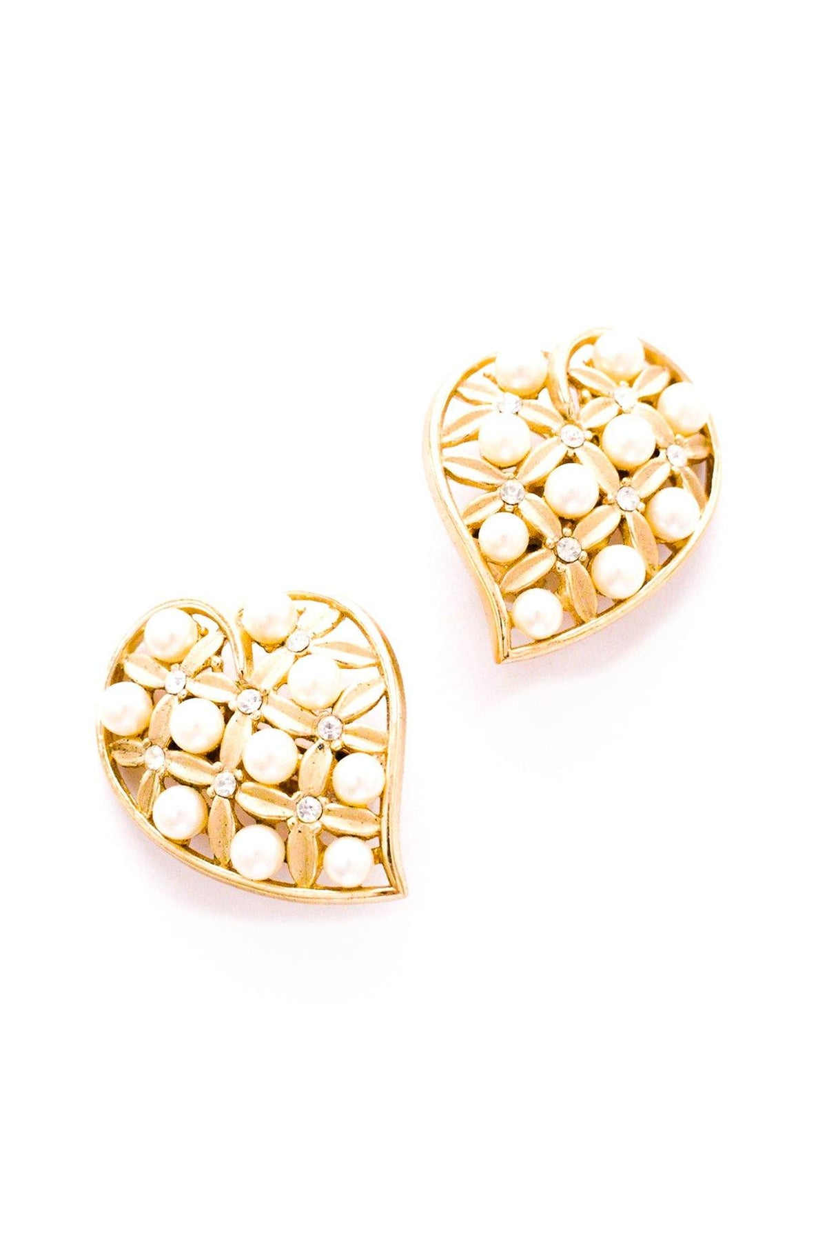 Vintage Trifari pearl heart statement earring from Sweet & Spark.