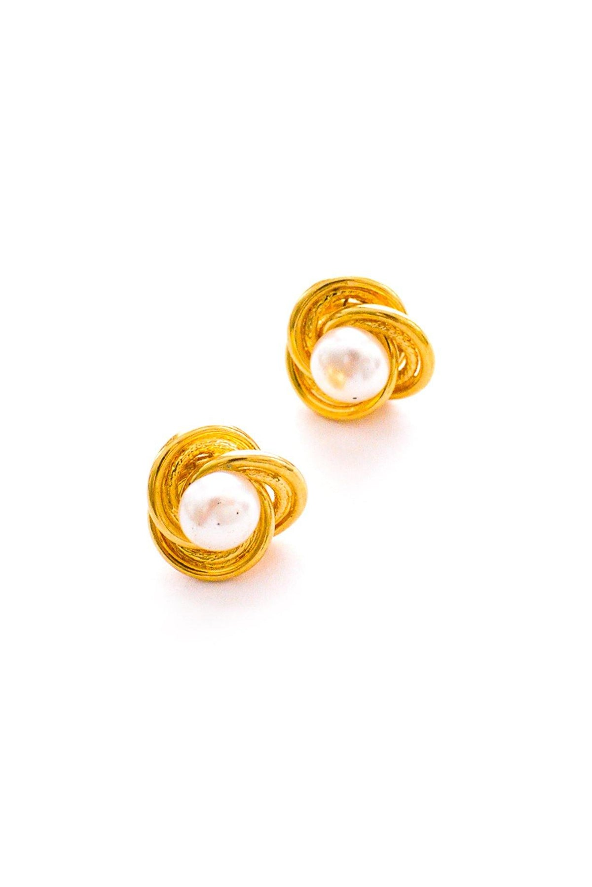 Vintage pearl knot earrings from Sweet & Spark.