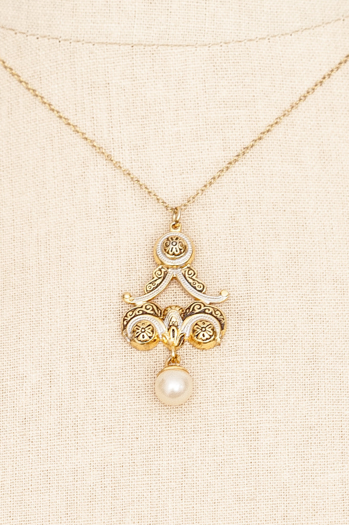 50's__Spanish__Pearl Drop Necklace
