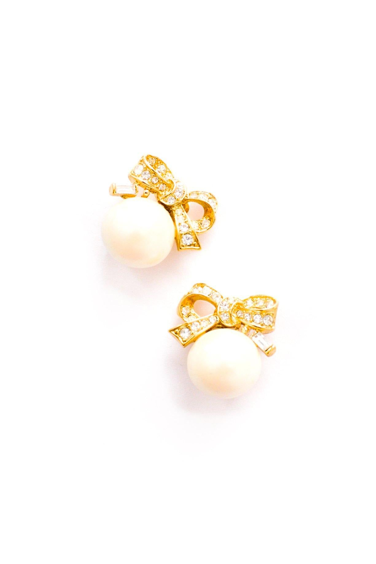 Bow Pearl Clip-on Earrings